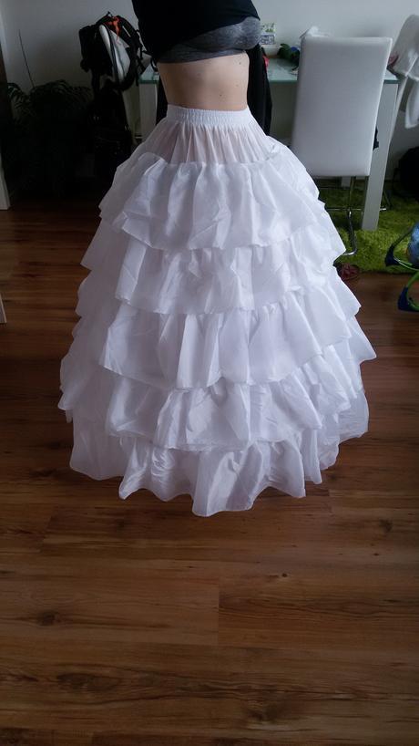 Spodnička pod svatební šaty, 34