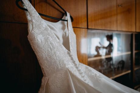 Svadobné šaty slonovinové s vlečkou, 36