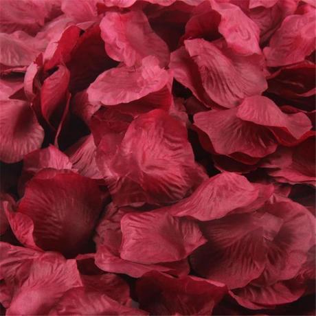 Okvětní lístky růží - bordo,
