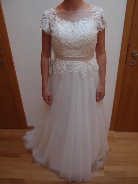 Nenosené svadobné šaty JJshouse + závoj a spodnica, 36