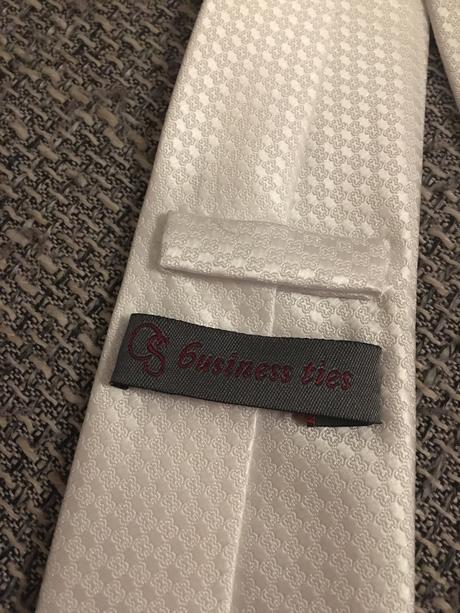 Snehobiela vzorovana kravata Alain Delon,