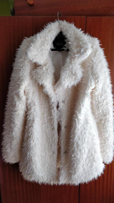 Bílý kabátek, 42