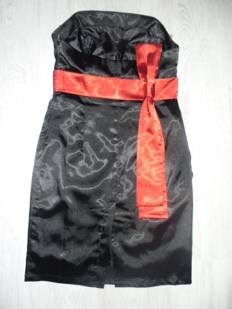 Čierne šaty s červenou stuhou zn. Ever-Pretty , 38