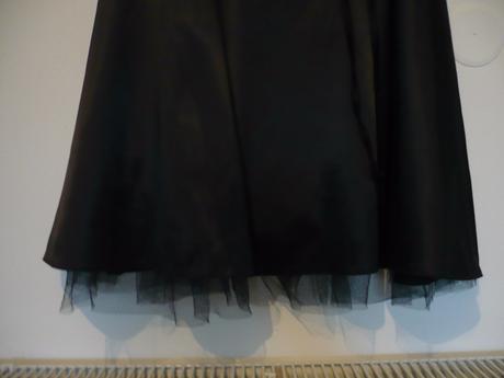Elegantné saténové šaty vel. 36/38 , 36