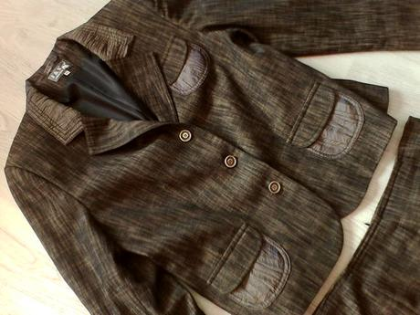 Kvalitný kostým vel. 44 zn. J&S collection , 44