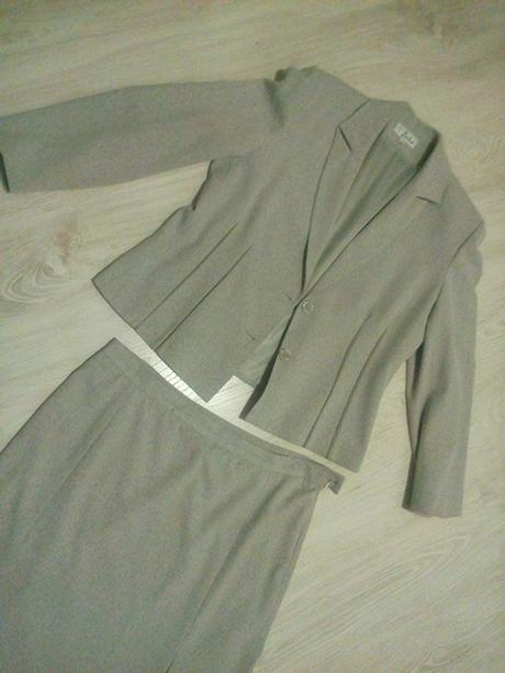 Kvalitný kostým veľ. 46 zn. Žako, 46