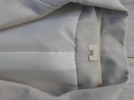 Sukňový kostym, 36