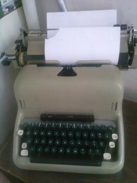 Písací stroj,