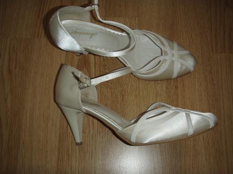 edbd34220c8d4 Smotanové topánky veľkosť 36, 36 - 20 € | Svadobný bazár | Mojasvadba.sk