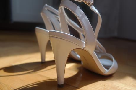 biele sandalky zn. Bata vel. 37, 37