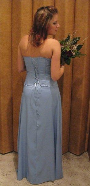 Společenské modré šaty, 38