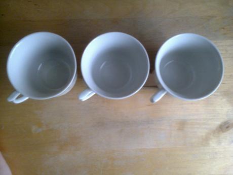 3x biele salky.,
