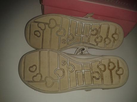 kvietkovane sandalky , 30