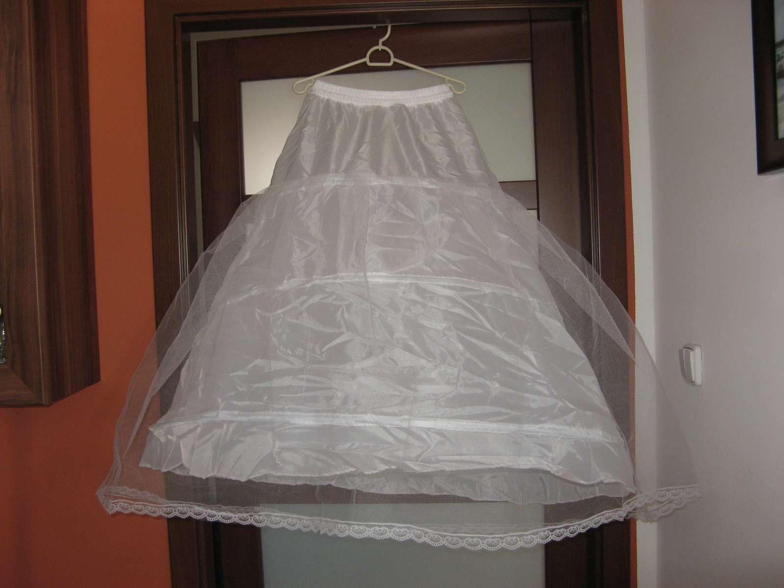 cd5f6c07577f Spodnička pod šaty bazar – Koupelnový nábytek