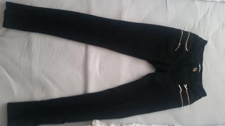čierne elastické nohavice, S