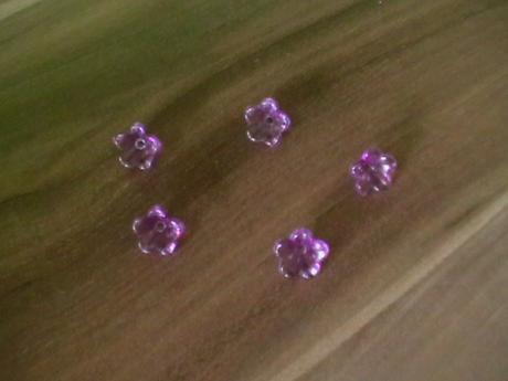fialové konvalinky,