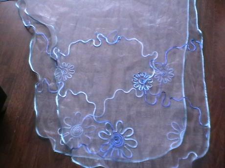 moderná záclona s kvetmi 3m x 140 cm,