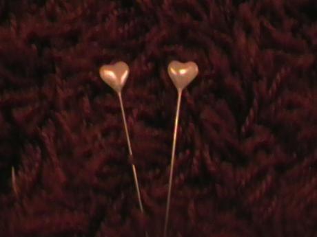perleťový špendlík v tvare srdca 3ks,