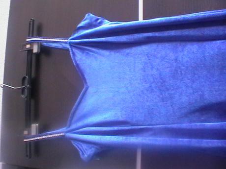 spoločenské šaty modrej farby, S
