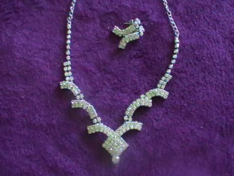 štrásový setík náhrdelník a náušnice,