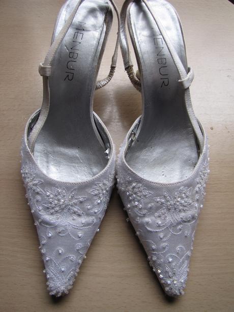 Kamínkové bílé svatební lodičky, 39