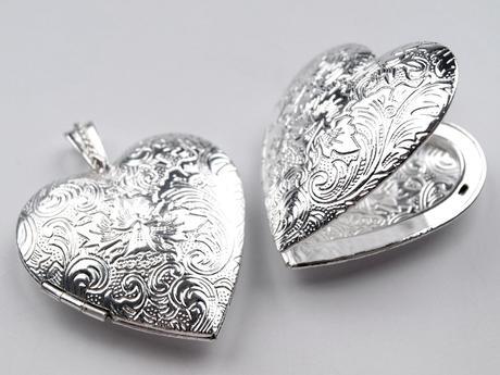 Medailonek na foto ve tvaru srdce,