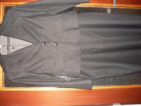 suknovy kostym, 42