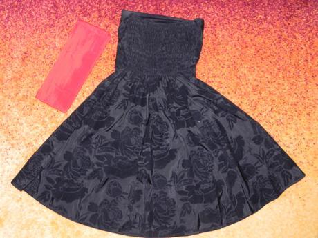 čierne šaty s mašľou, 36
