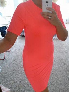 Neonové šaty, 40