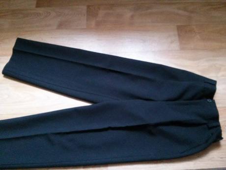 Vesta + kalhoty, 146