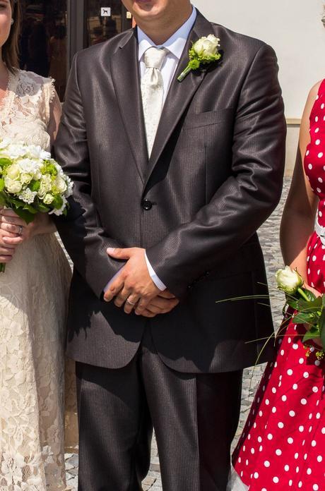 Svatební oblek, 52