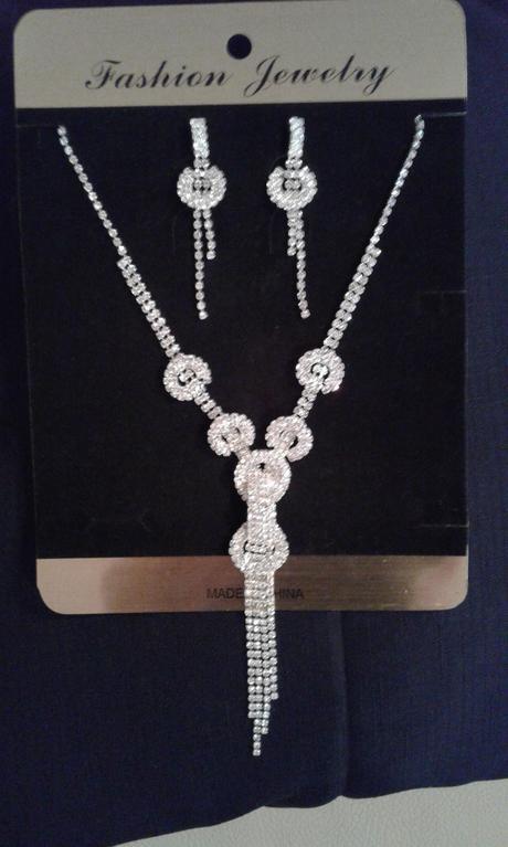Nevyužitá svatební bižuterie náušnice + náhrdelník,