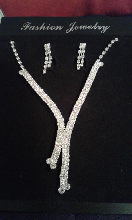 Nevyužitý svatební set náušnice + náhrdelník,