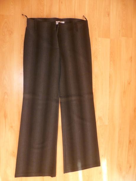 Elegantné nohavice, 44