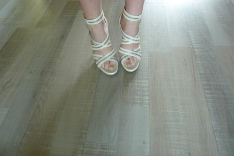 Luxusne Zip Sandale s cervenou podrazkou, 39