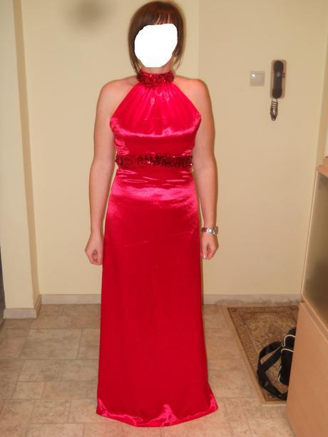 Červené šaty s flitrami, 38