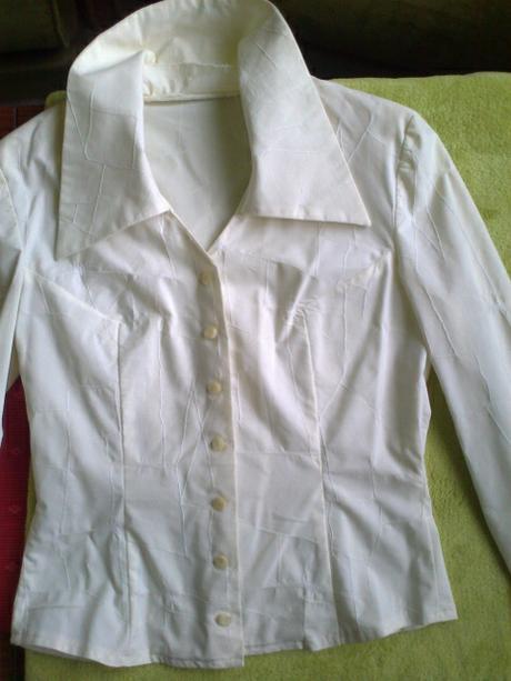 Blúzka alebo tenký kabátik, M