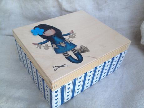 Drevená krabica na sponky,