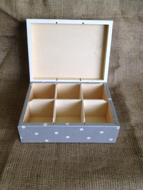 Krabica na sponky alebo šperkovnica,