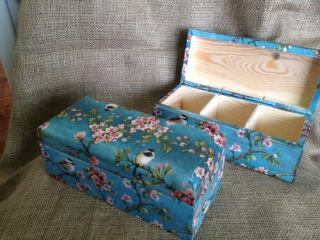 Šperkovnica alebo krabica na čaj,
