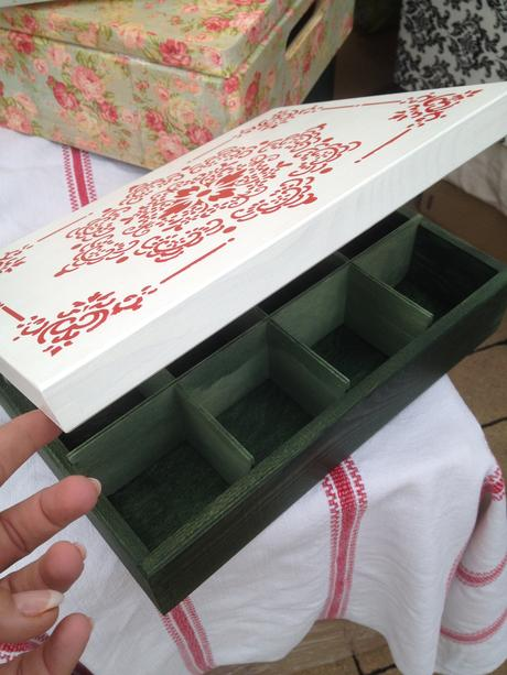 Šperkovnica alebo krabica na čaje,