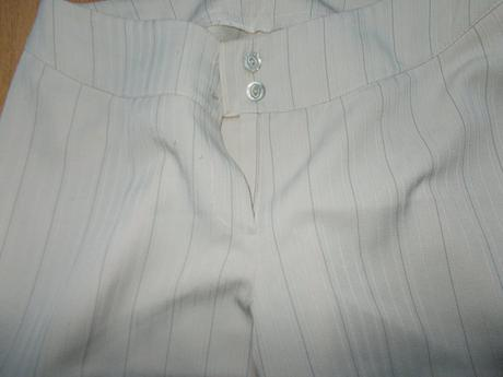 béžový kalhotový kostýmek s proužkem, 40