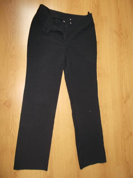černé kalhoty rovného stříhu, 38