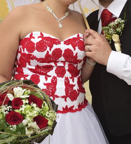 svatební šaty, 42