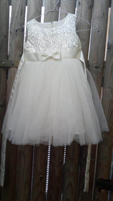 Nádherné svadobné šaty pre družičku, 98