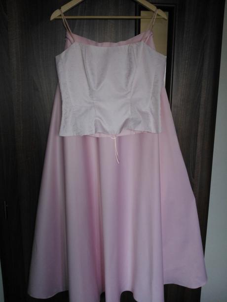 Korzetové šaty, 38