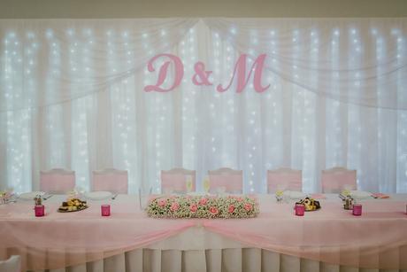 Písmená D&M na svetelnú stenu,
