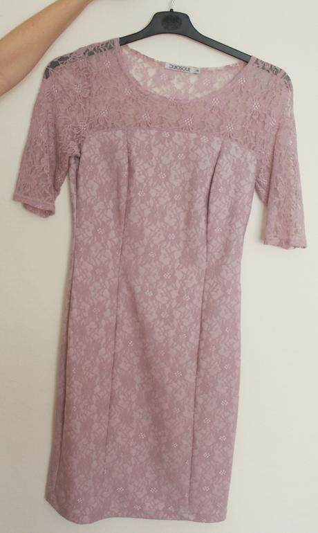 Krajkové šaty s rukávy po loket (velikost 36-38), 38