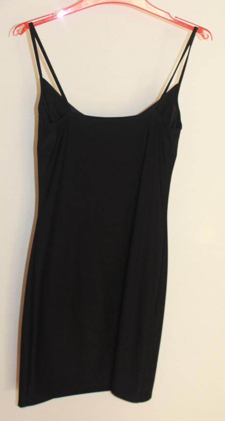 Krátké černé šaty zn.TOPSHOP, 38