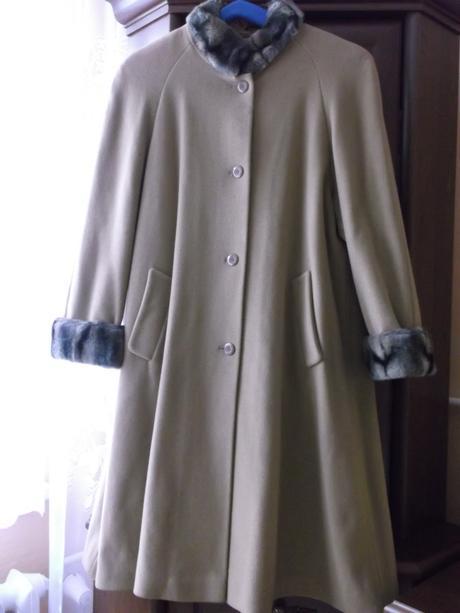 Dámsky flaušový zimný kabát, 40